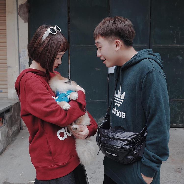 Cặp đôi Sun HT và Phở Đặc Biệt tình tứ trong outfit đến từ Adidas.