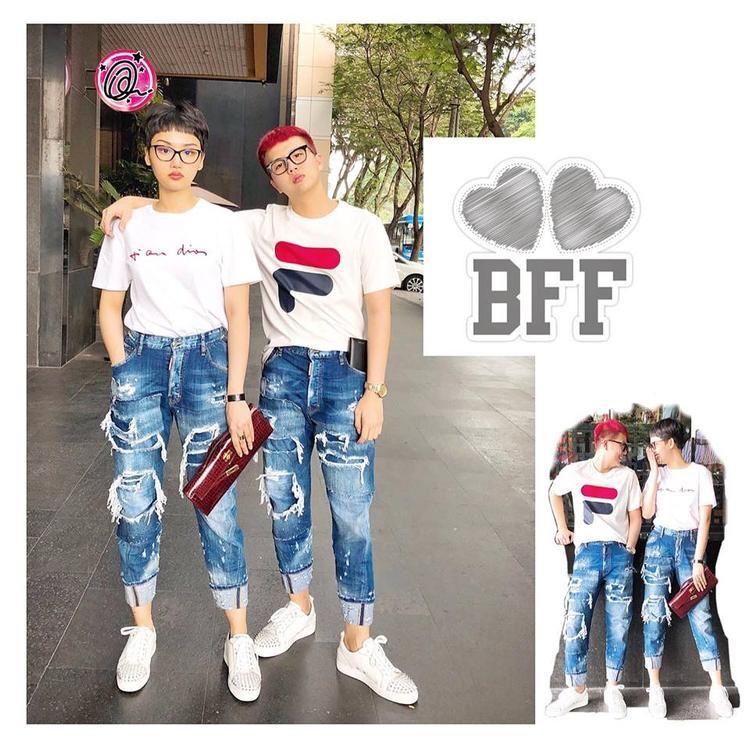 Với cách mặc đồ giống nhau như thế này, nếu không biết, nhiều người có thể lầm tưởng cả hai là một cặp đôi thực thụ.