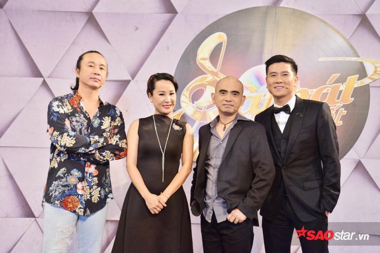 Bộ tứ HLV Sing My Song mùa 2 Lê Minh Sơn, Giáng Son, Đức Trí và Hồ Hoài Anh.