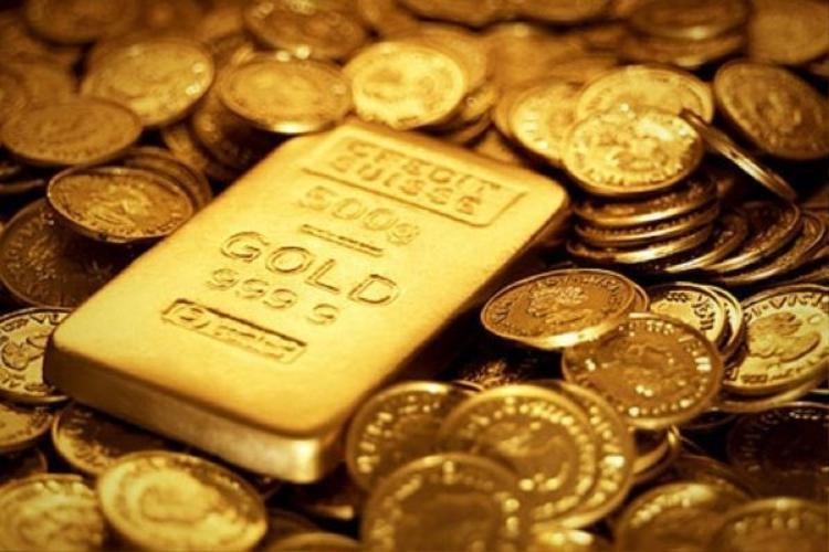 Mua vàng cũng là một cách để người dân tiết kiệm, tích trữ tiền.