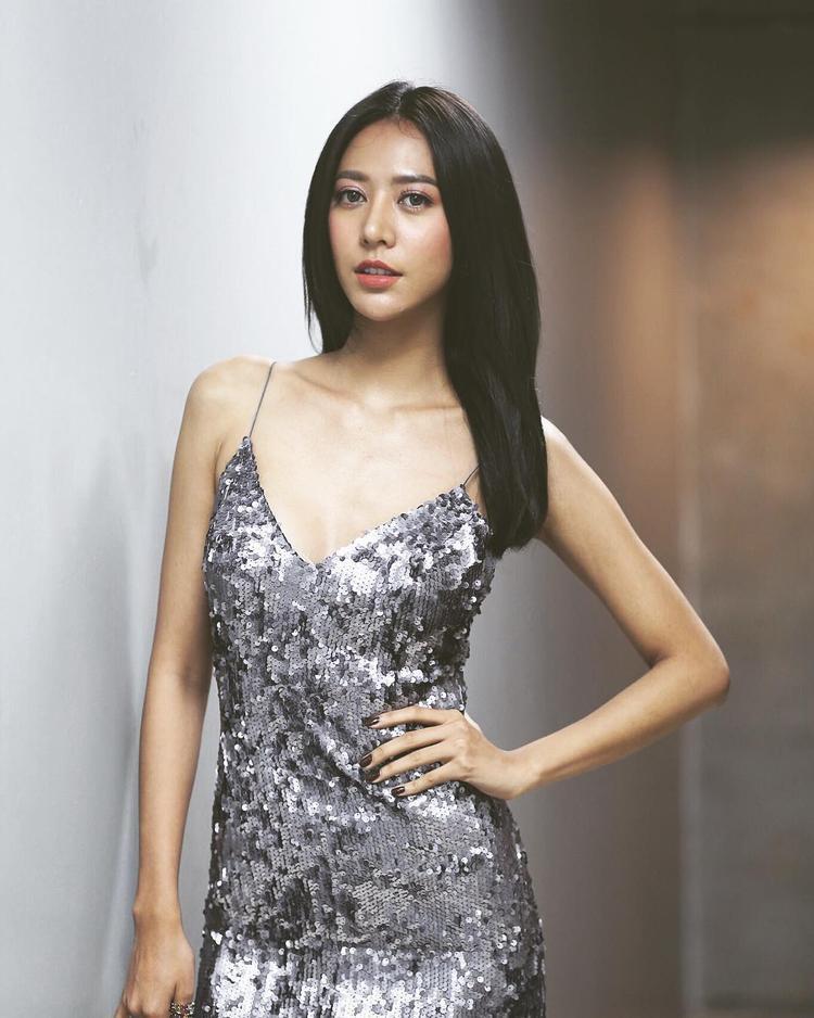 """Namwan từng bị loại """"tức tưởi"""" ở tập 3 mùa 2 dưới tay Bee Namthip. Mùa All Stars, cô tiếp tục chọn HLV Cris Horwang và về đội Cris - Lukkade."""