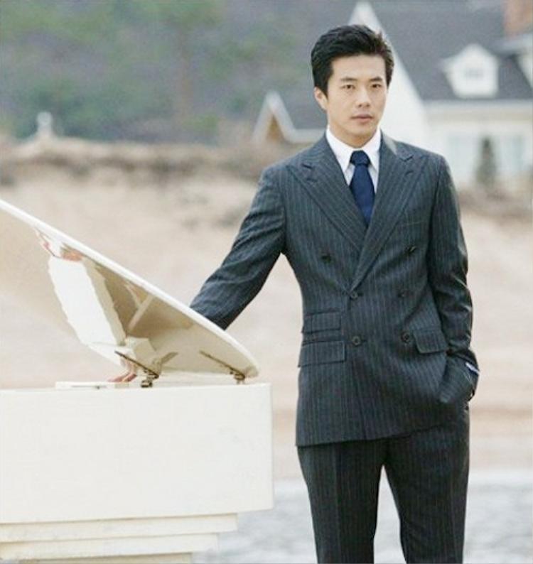 """Giám đốc chung tình, phong độ Cha Song Joo của Kwon Sang Woo trong """"Nấc thang lên thiên đường"""" từng làm điên đảo bao trái tim khán giả nữ toàn châu Á"""
