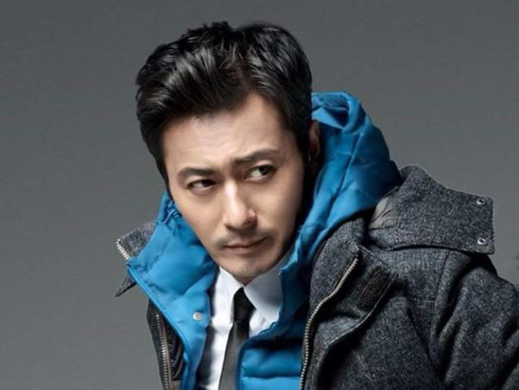 Mỹ nam đời đầu của màn ảnh Hàn Jang Dong Gun giờ đã là diễn viên điện ảnh hàng đầu và là người chồng, người cha mẫu mực
