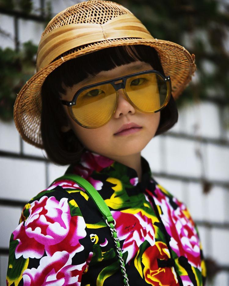 Cô bé Coco rất thích những trang phục nhiều màu sắc đậm chất Harajuku.
