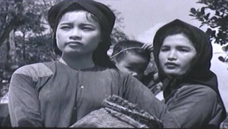 Bà đóng cùng với diễn viên gạo cội Trà Giang.