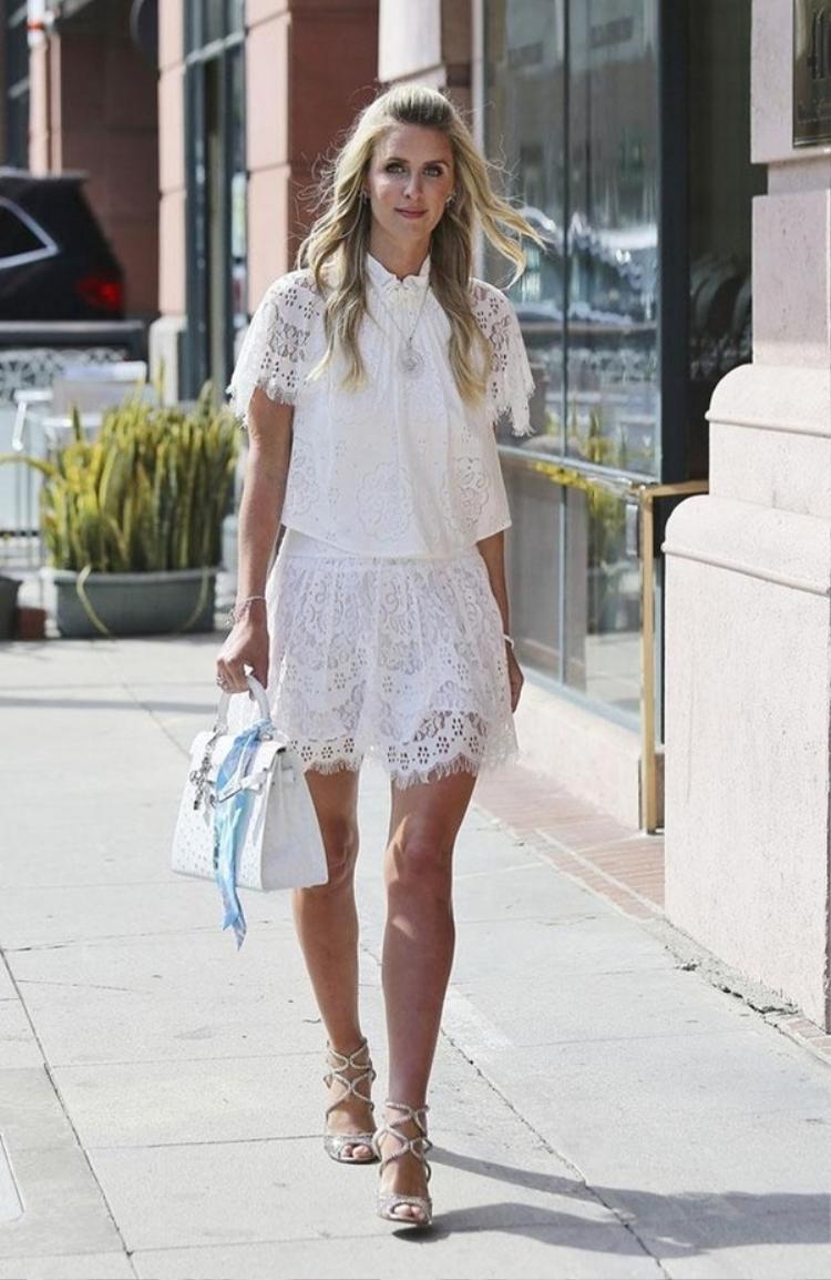 Em gái kiều nữ Paris Hilton là người trầm lặng và ít khi chia sẻ đời tư với truyền thông. Cô đặc biệt kín tiếng hơn từ khi lập gia đình.