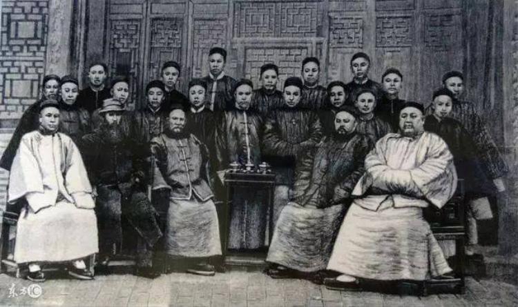 Nhà Thanh, triều đại cuối cùng trong lịch sử phong kiến Trung Hoa.