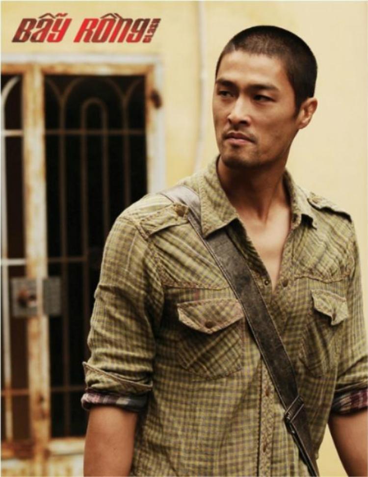 Ngoại hình nam tính của Johnny Trí Nguyễn.