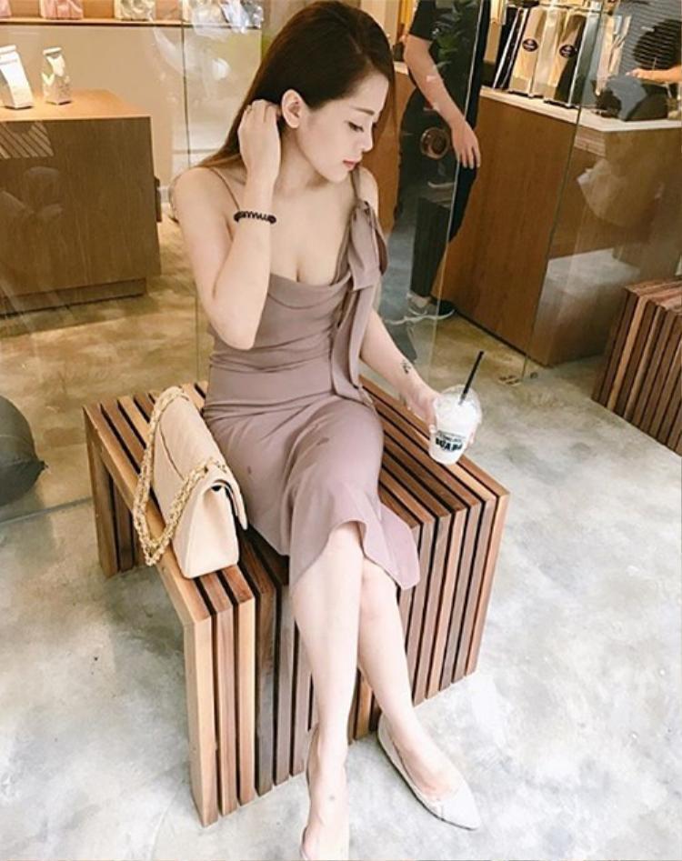 """Mặc dù chưa lên tiếng về tin đồn hẹn hò, nhưng những hình ảnh Soobin Hoàng Sơn và Hạnh Nguyênđăng tải trên instagram càng khiến khán giả khẳng định giọng ca """"Phía sau một cô gái"""" đã có tình yêu mới."""