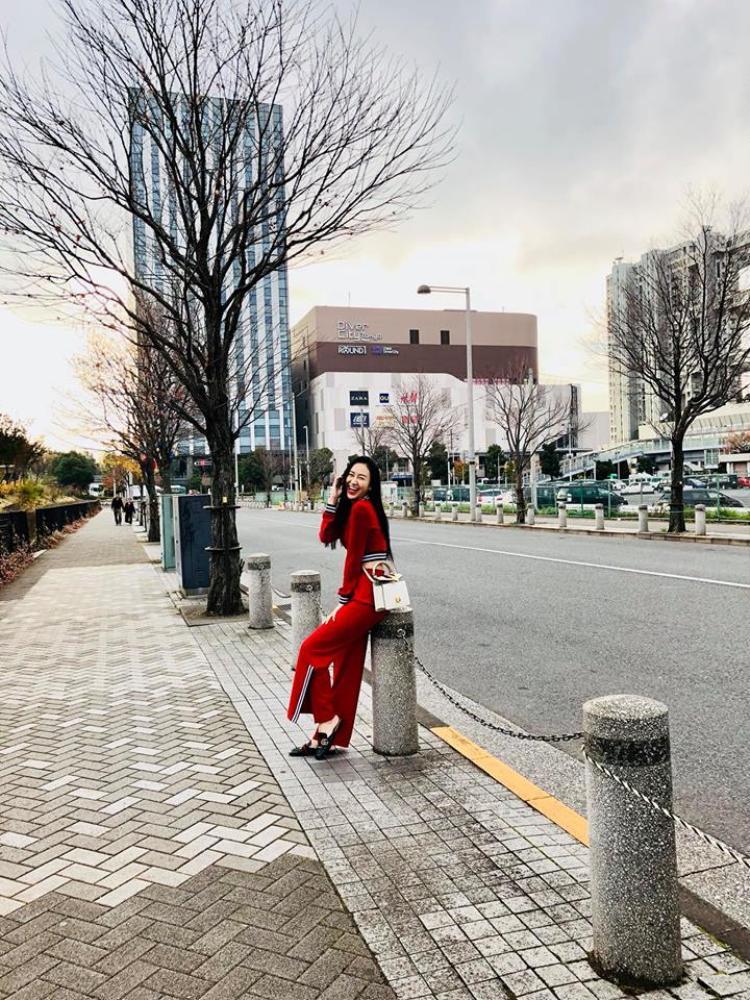 Với cá tính mạnh mẽ, quyết liệt và thông minh, Hà Thu còn muốn thể hiện cá tính của mình thông qua trang phục cũng như phong cách thời trang.