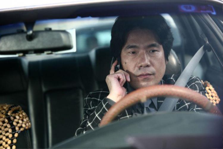 """Oh Dal Soo được xem là Nam phụ Quốc dân của điện ảnh xứ Kim Chi với hàng loạt hit phòng vé như """"Ode To My Father"""", """"Veteran"""", """"Assassination"""", """"Master"""", """"Thử thách Thần Chết Giữa 2 Thế Giới"""",…"""