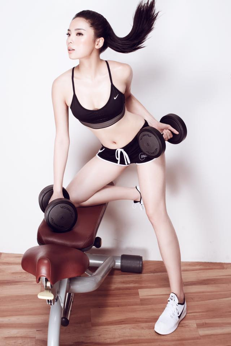 Kỳ Duyên cũng là một trong những người đẹp thu hút khán giả với trang phục phòng tập khỏe khoắn.