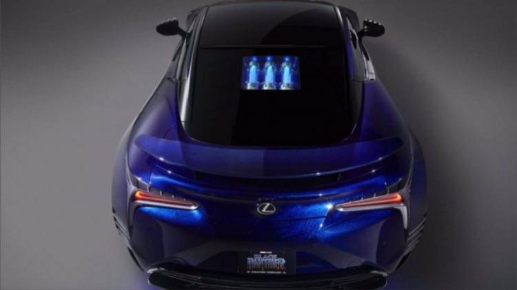 Lexus có vẻ như muốn mượn hình ảnh Black Panther để gứi gắm thông điệp tốc độ, nhạy bén và chính xác của những dòng siêu xe thể thao của mình.