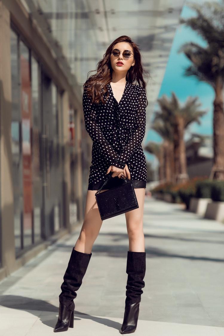 """Cô sẽ tham gia nhiều truyền hình thực tế cũng như giữa năm 2018 có thể sẽ chinh chiến tại Tuần thời trang Paris. Hiện tại không chỉ là một trong những """"nữ hoàng vedette"""" của sàn catwalk Việt mà mỹ nhân 22 tuổi còn chinh phục nhiều tín đồ thời trang bởi phong cách đường phố rất đáng để học hỏi."""