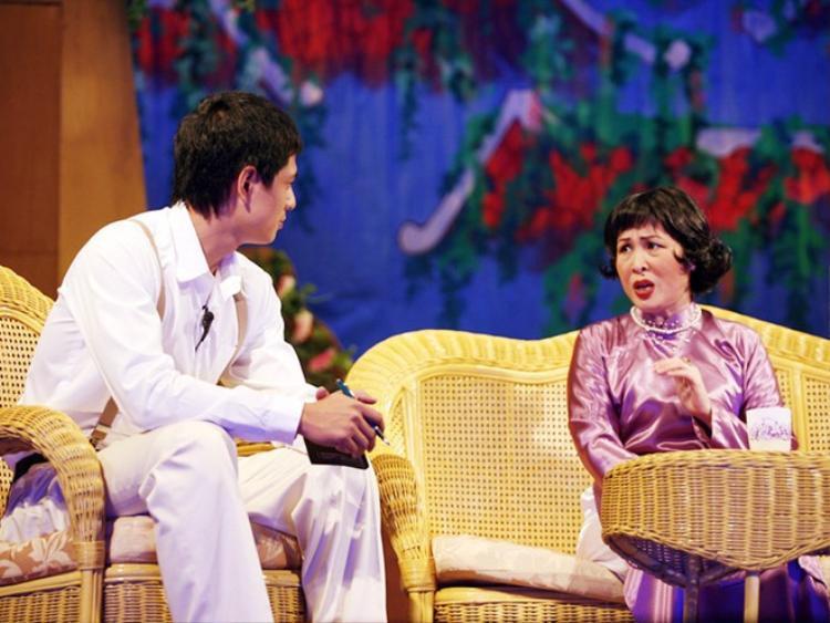 Vừa tuyên bố đóng cửa, nghệ sĩ Hồng Vân lại quyết định duy trì sân khấu kịch SuperBowl