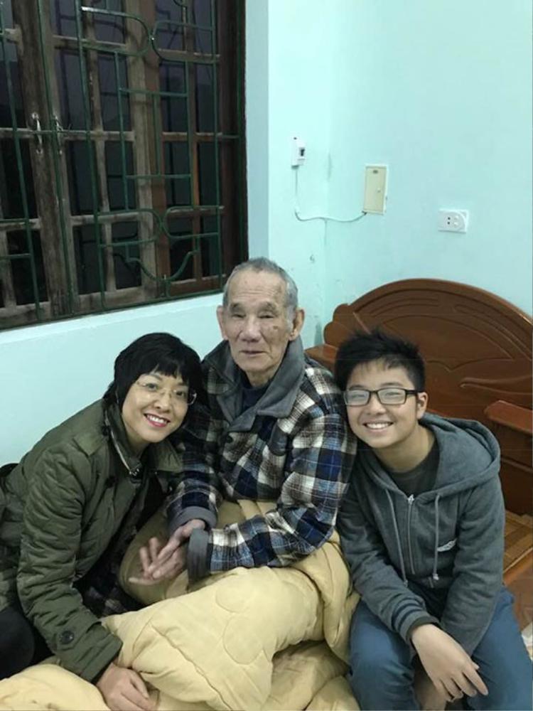 Nghệ sĩ Việt gửi lời chia buồn khi bố MC Thảo Vân qua đời
