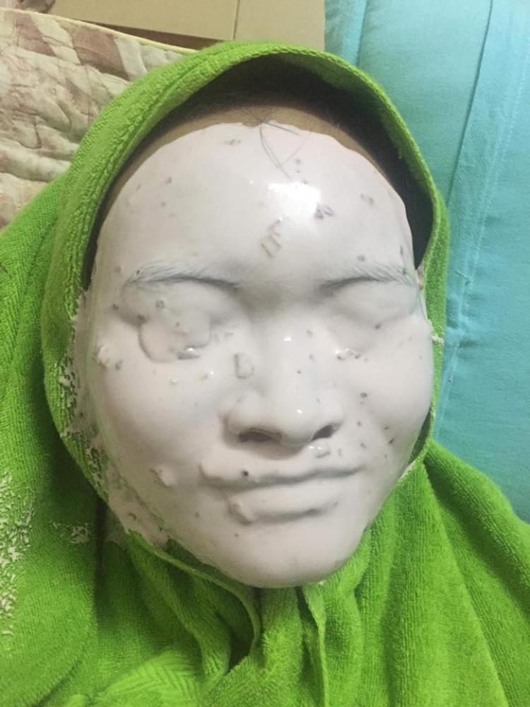 Còn biết nói gì nữa đây, bạn ấy định cosplay xác ướp Ai Cập à? Ảnh: Nguyễn Thị Thu.