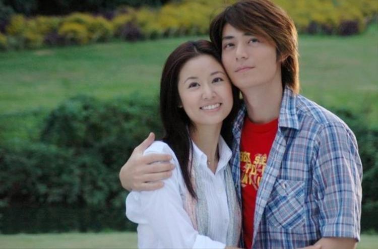 """Cặp đôi Hoắc Kiến Hoa - Lâm Tâm Như """"bén duyên"""" từ bộ phim Tàu điện ngầm. Sau đó, cả hai tiếp tục hợp tác qua tác phẩmKhuynh thế hoàng phi."""