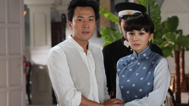 """Dương Mịch và Lưu Khải Uy hợp tác lần đầu trong bộ phim Như Ý vào năm 2011. Sau đó, họ cùng nhau """"tái hợp"""" trong nhiều dự án khác như Nắm giữ tình yêu, Thịnh hạ vãn tình thiên,…"""