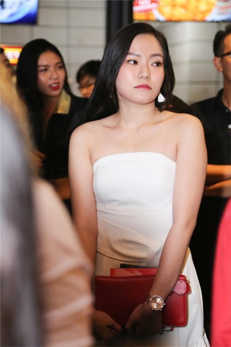 """Một lần nữa, Lý Phương Châu """"được"""" người mẫu sinh năm 1990 đề cập đến."""