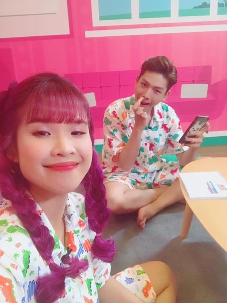"""Khởi My - Kelvin Khánh, một trong những cặp đôi nghiện """"dìm hàng"""" nhau nhất của showbiz Việt."""