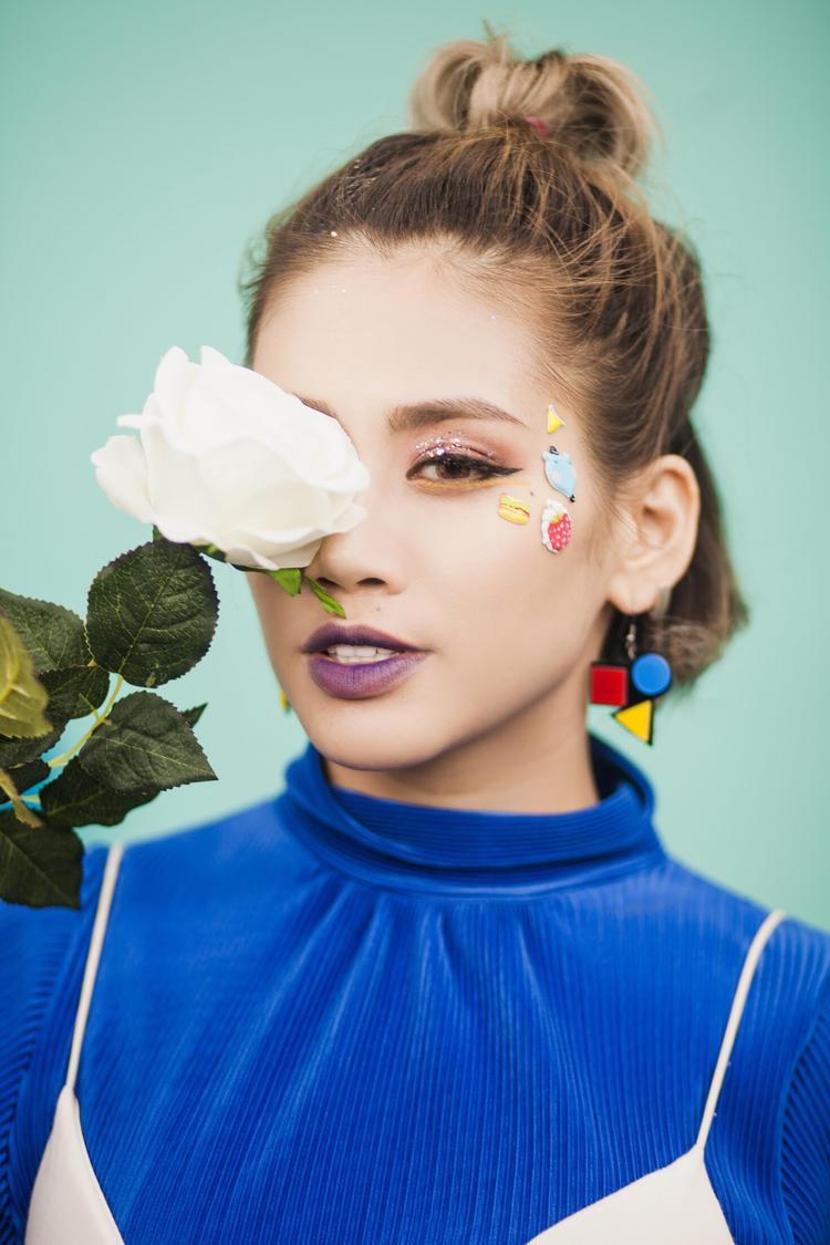 Yến Lê cho biết cô sẽ cùng YanBi ra mắt MV trong thời gian tới. Ca khúc đặc biệt này cũng là single trở lại của cặp đôi.