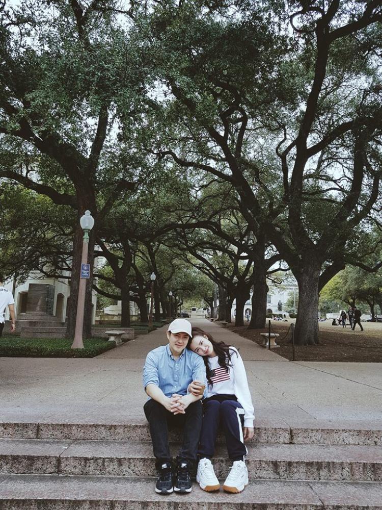 Đông Nhi và Ông Cao Thắng kỷ niệm 9 năm yêu nhau bằng chuyến du lịch tại xứ sở cờ hoa.