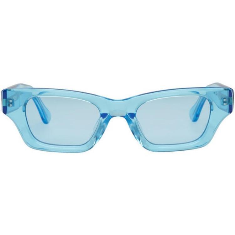 Chiếc kính mát Ambush blue ray với chất liệu trong veo cùng thiết kế đơn giản có giá ngót nghét 8,6 triệu đồng. Sản phẩm này đã nhanh chóng hết hàng trên mọi mặt trận.