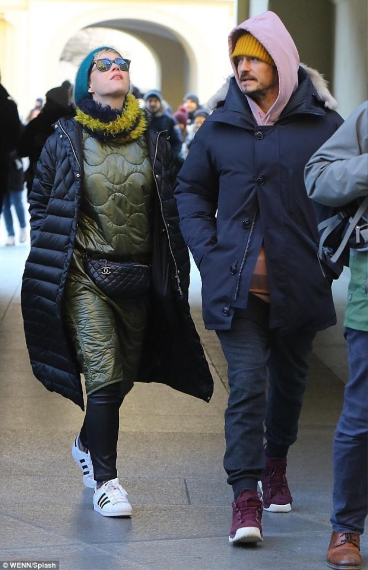 Katy Perry và Orlando Bloom bị bắt gặp dạo phố cùng nhau tại Cộng hoà Séc.