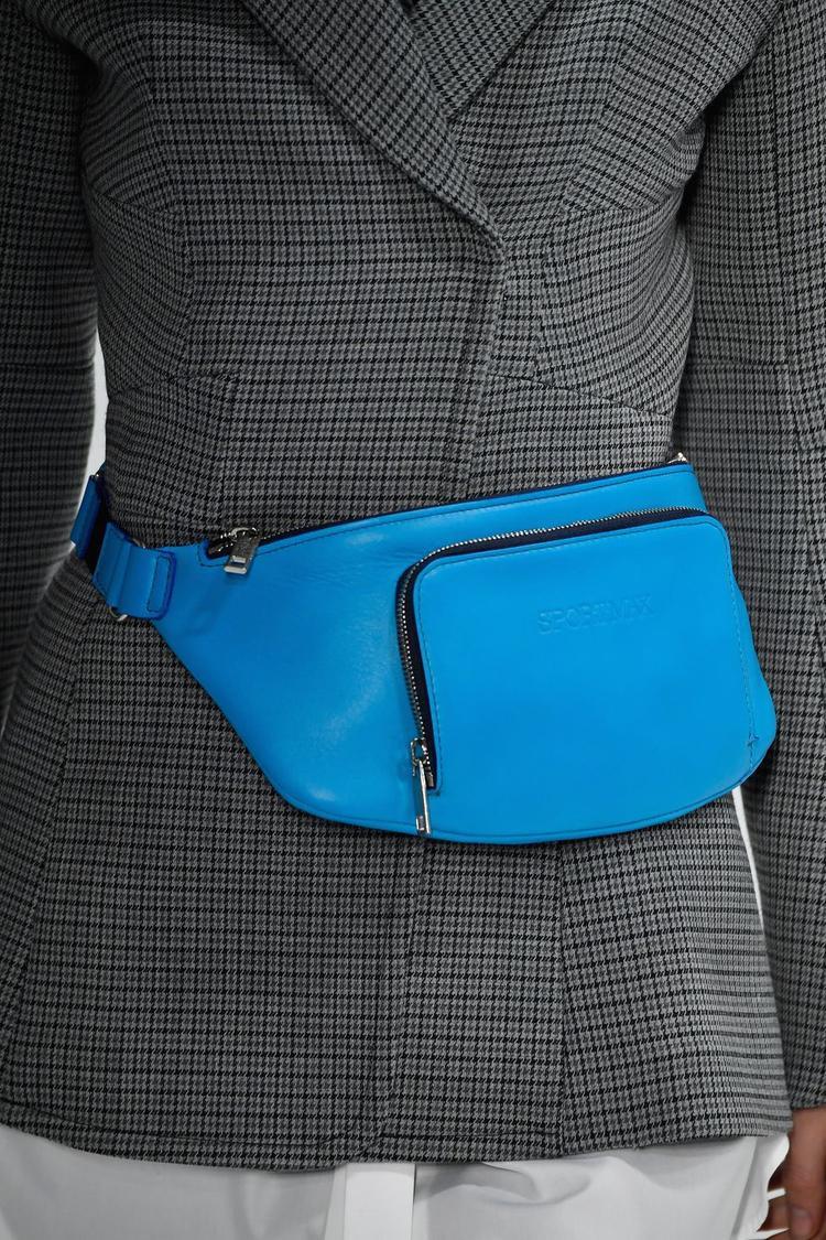 Tuy nhiên, một số dự đoán cho rằng, kiểu túi này sẽ nhanh chóng trở nên lỗi mốt, nhường chỗ cho một xu hướng mới xuất hiện vào cuối năm nay.