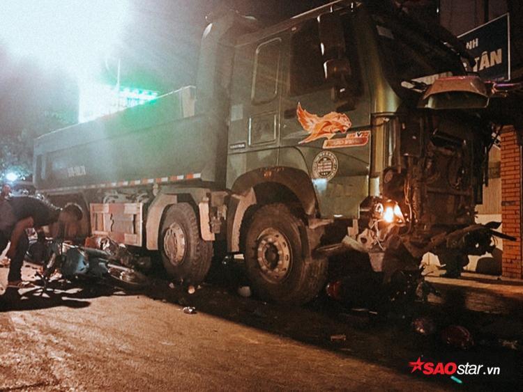 2 tài xế đã nhanh chóng bỏ trốn sau khi gây tai nạn.