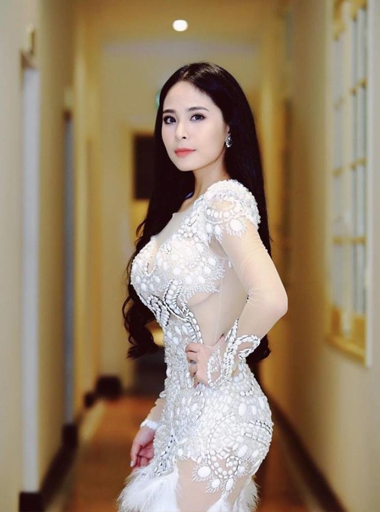 Ca nương Kiều Anh tố Thanh Hương ăn cắp giọng hát của mình trong phim.