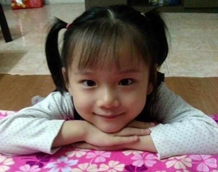 Bé Hải An, 7 tuổi khiến nhiều người xúc động với nghĩa cử cao đẹp.
