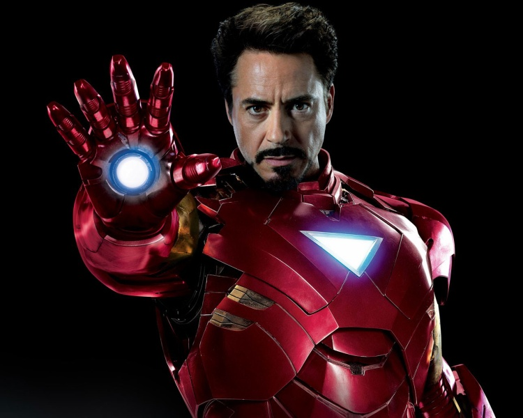 """""""Bàn ủi quốc dân"""" có thật là nguyên nhân khiến cho Marvel phải dời lịch chiếu Infinity War?"""