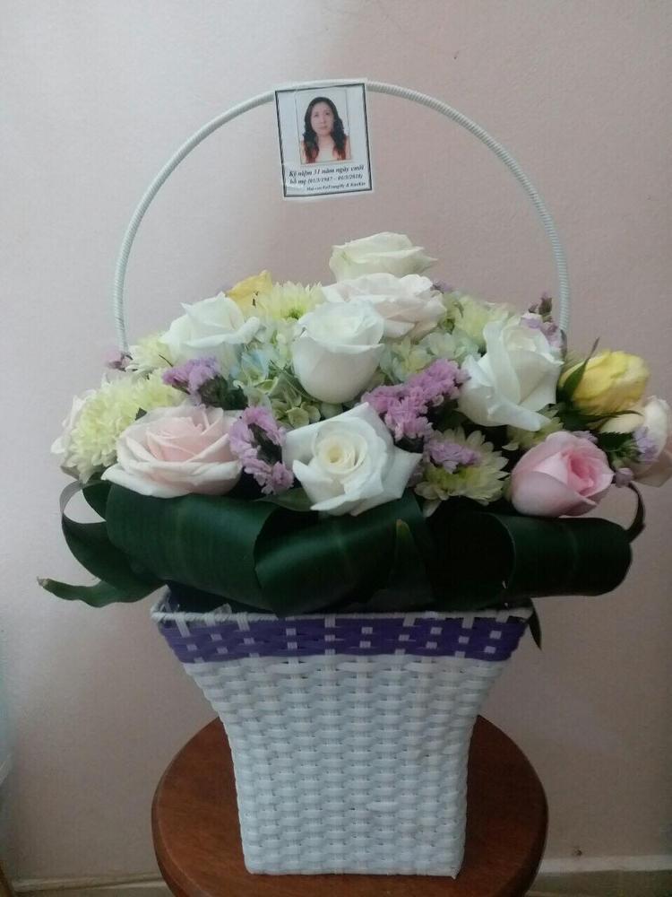 Bó hoa bố tặng mẹ trong ngày kỷ niệm 31 năm ngày cưới.