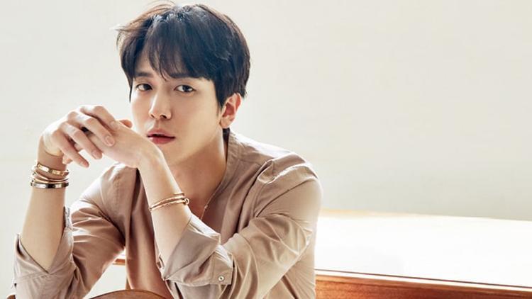 Ca sĩ kiêm diễn viên Jung Yong Hwa.