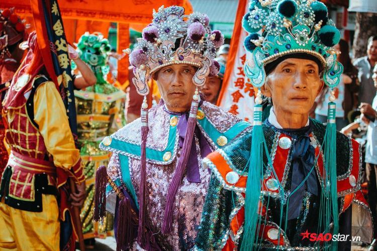 Hình ảnh hai vị thần trong Bát Tiên.