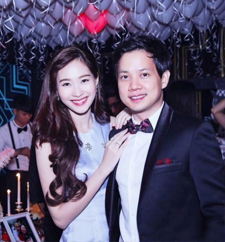 Chồng của Đặng Thu Thảosở hữu gương mặt sáng với các đường nét hài hòa cùng chiều cao không hề kém cạnh cô vợ Hoa hậu.Trung Tín hiện là một trong những doanh nhân trẻ tuổi tài năng nhất Việt Nam.