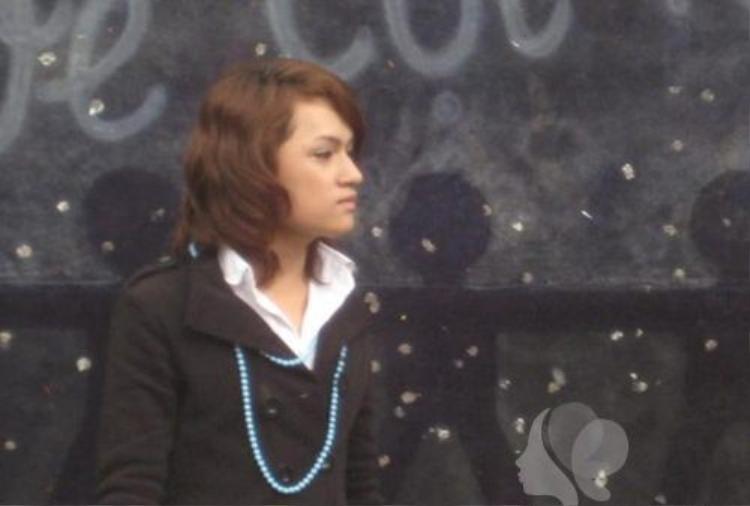 Trước khi chuyển giới, Hương Giang đã sở hữu những đường nét thanh tú của một cô gái. Gương mặt và thân hình của cô có phần thon gọn hơn so với đấng mày râu.