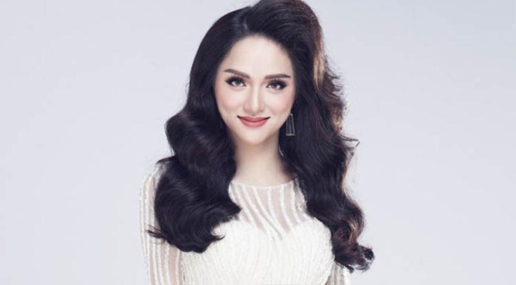 Vừa qua khi fanpage chính thức của Miss International Queen (Hoa hậu Chuyển giới Quốc tế) đăng tải hình ảnh của Hương Giang Idol là đại diện của Việt Nam dự thi, cô đã chia sẻ mình đang chuẩn bị tốt nhất cho hành trình chinh phục cuộc thi nhan sắc này.