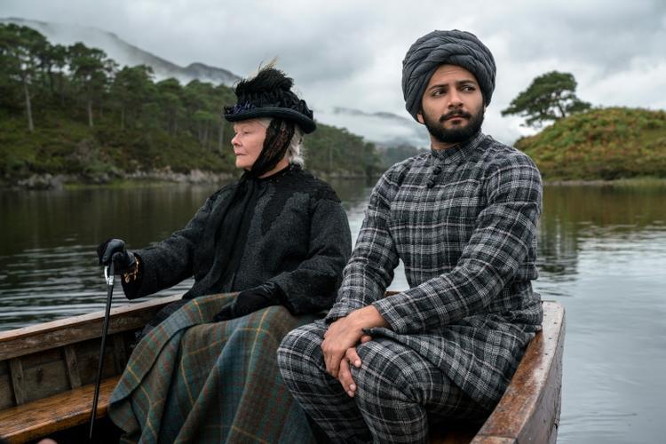 Victoria và Abdul với tạo hình mang lại không khí của nước Anh cuối thế kỉ 19.