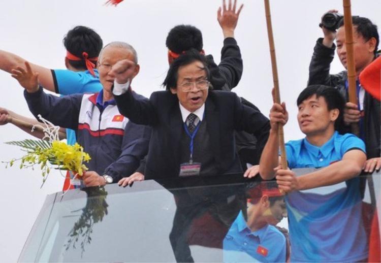 Ông Nguyễn Lân Trung đánh giá rất cao phó Chủ tịch thường trực VFF - Trần Quốc Tuấn. Ảnh: Báo Người lao động