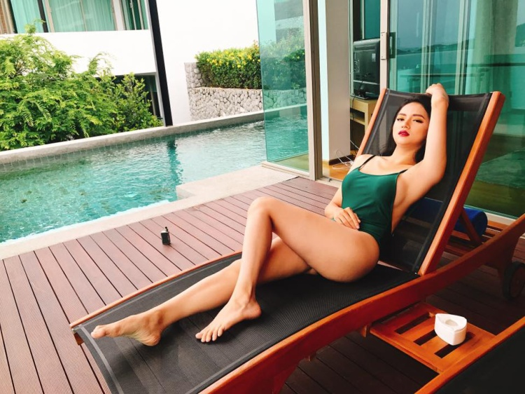 """Ngoài việc mua sắm, trong thời gian rảnh rỗi, Hương Giang cũng """"tự thưởng"""" bản thân bằng việc nghỉ dưỡng tại những nơi sang chảnh."""