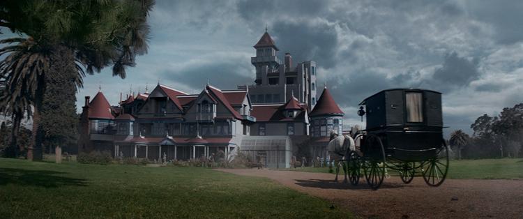 Phim kinh dị Dinh thự Winchester: Hù dọa dồn dập trong suốt 99 phút