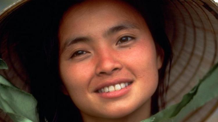 Đặc biệt với hình ảnh người phụ nữ Việt Nam trong bộ phim Đất và Trời.