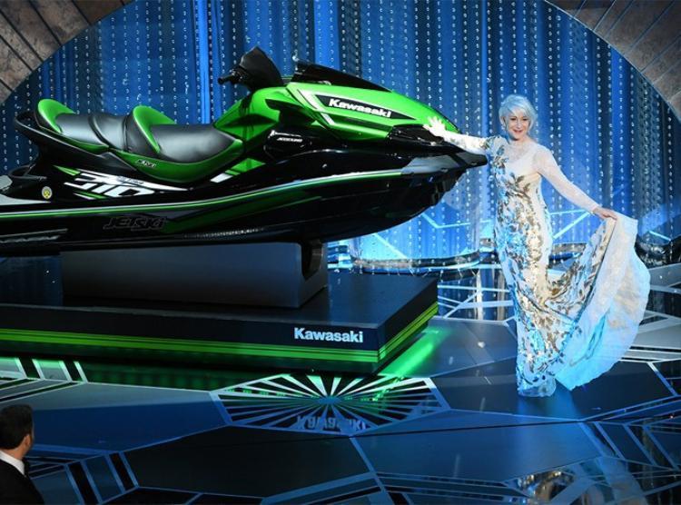 Chiếc mô tô nước màu xanh là phần thưởng đặc biệt cho người phát biểu nhanh nhất tại Oscar 2018.