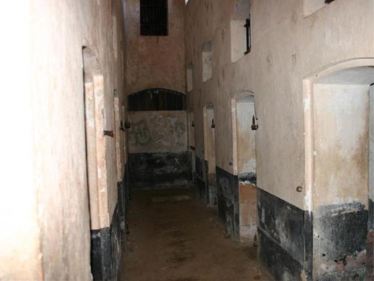 Các vụ ẩu đả, giết người thường xuyên xảy ra trong nhà tù, tuy nhiên hầu như không bị trừng phạt.