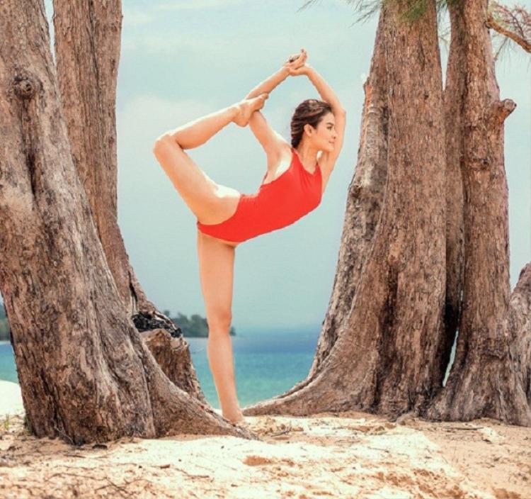 Tính đến hiện tại, Phương Trinh Jolie đã tập yoga được 3 năm. Yoga giúp sức khỏe cô cải thiện nhiều, không còn đau bao tử, vóc dáng thon gọn, da dẻ mịn màng, ít bị ốm vặt.