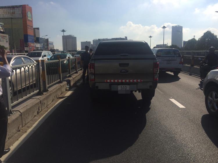 Hàng loạt va chạm giao thông, cửa ngõ phía Đông Sài Gòn ùn ứ kéo dài