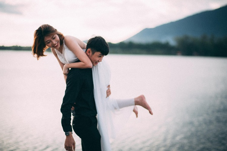 """Điều cả hai luôn thấy trân trọng đối phương chính là nhờ """"nửa kia"""" mà họ thay đổi tích cực hơn. Quen Thảo, Quý đã bớt khô khan và biết quan tâm đến người khác hơn. Mỗi lần giận hờn, cãi vã, anh chàng cũng dần học được cách làm hòa và nhường nhịn người yêu."""